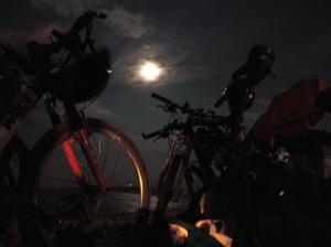 Bicicletes, Lluna i Mar a Cambrils.